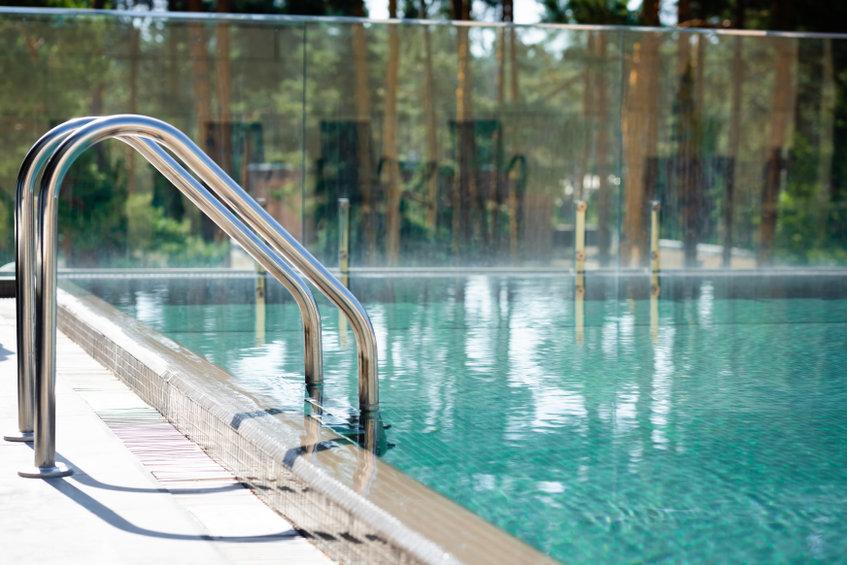 garde-corps en verre pour votre piscine